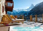 Kings-avenue-zermatt-sauna-jacuzzi-childfriendly-fireplace-massage-room-wine-cellar-lift-area-zermatt-007-3