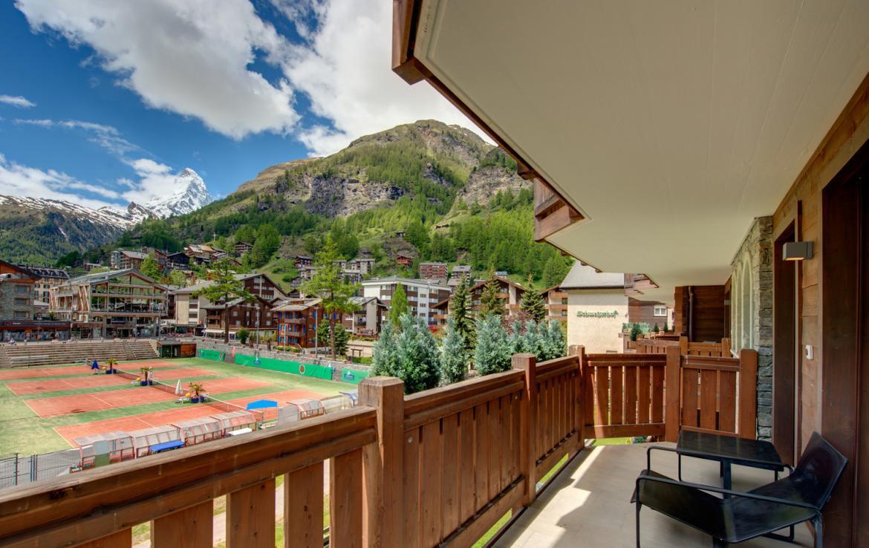 Kings-avenue-zermatt-snow-chalet-childfriendly-matterhornviews-acces-to-wellnes-swimming-pool-015-8