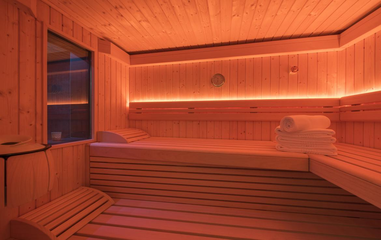 Kings-avenue-zermatt-snow-chalet-jacuzzi-sauna-hammam-games-room-012-10