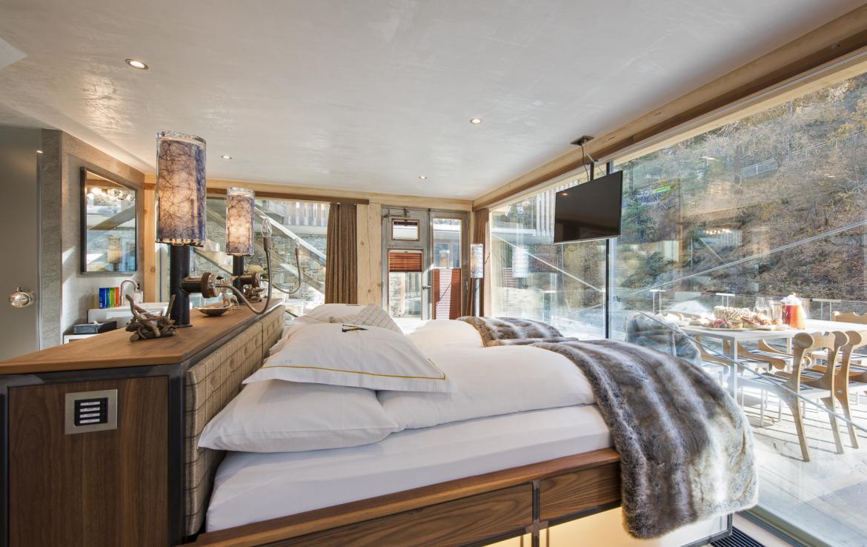 Kings-avenue-zermatt-snow-chalet-jacuzzi-sauna-hammam-games-room-012-16