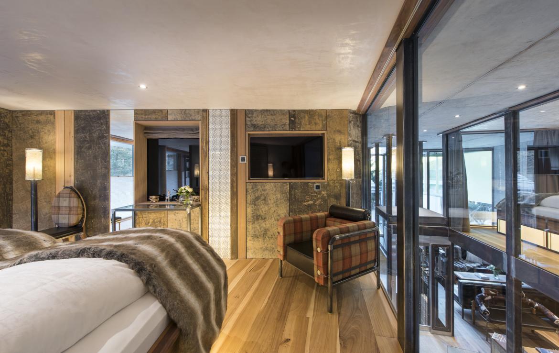 Kings-avenue-zermatt-snow-chalet-jacuzzi-sauna-hammam-games-room-012-17
