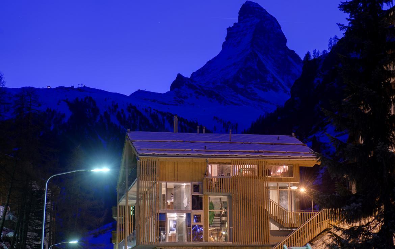 Kings-avenue-zermatt-snow-chalet-jacuzzi-sauna-hammam-games-room-012-29