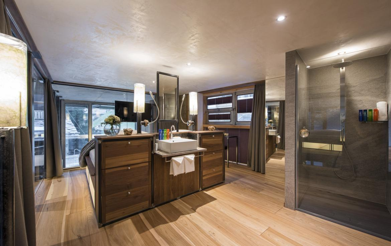 Kings-avenue-zermatt-snow-chalet-jacuzzi-sauna-hammam-games-room-012-7