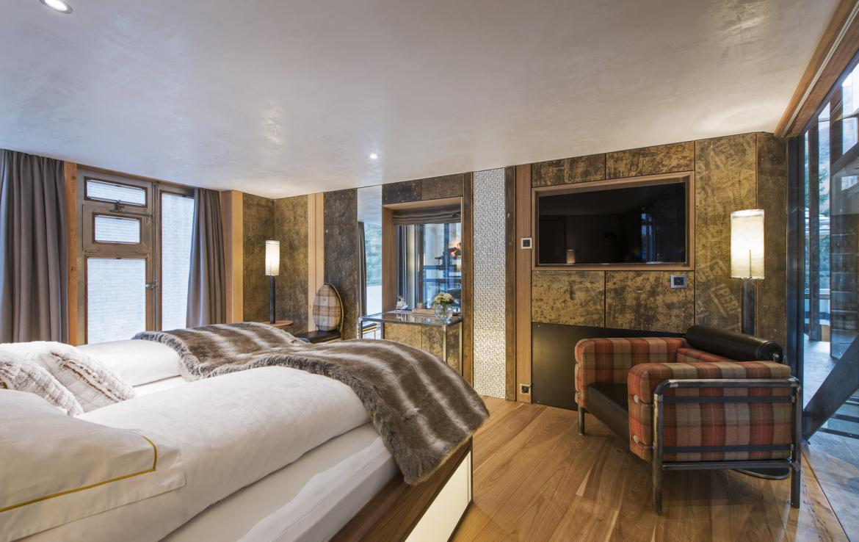 Kings-avenue-zermatt-snow-chalet-jacuzzi-sauna-hammam-games-room-012-8