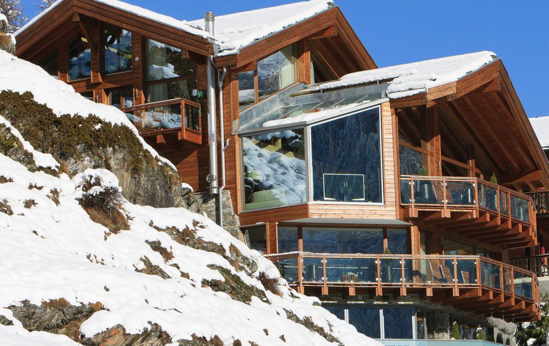 Kings-avenue-zermatt-snow-chalet-sauna-hammam-boot-heaters-library-wellness-02-2