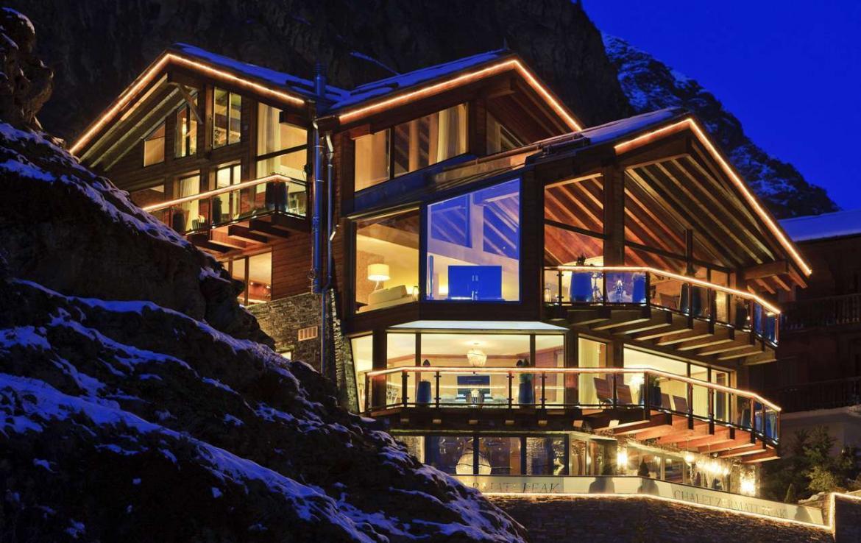 Kings-avenue-zermatt-snow-chalet-sauna-hammam-boot-heaters-library-wellness-02-3