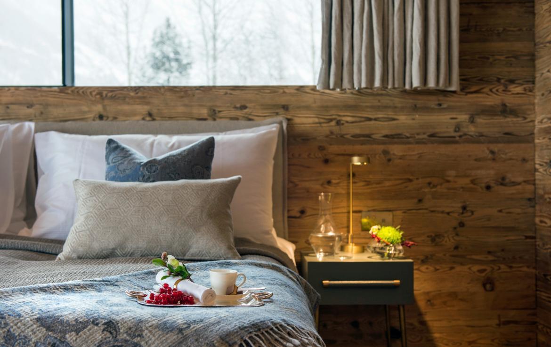 Kings-avenue-zermatt-snow-chalet-sauna-indoor-jacuzzi-fireplace-gym-ski-in-ski-out-08-16