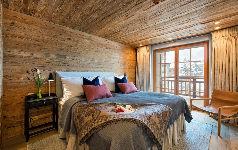 Kings-avenue-zermatt-snow-chalet-sauna-indoor-jacuzzi-fireplace-gym-ski-in-ski-out-08-22