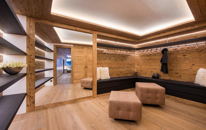 Kings-avenue-zermatt-snow-chalet-sauna-indoor-jacuzzi-private-spa-gym-06-18