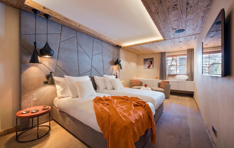 Kings-avenue-zermatt-snow-chalet-sauna-indoor-jacuzzi-private-spa-gym-06-22
