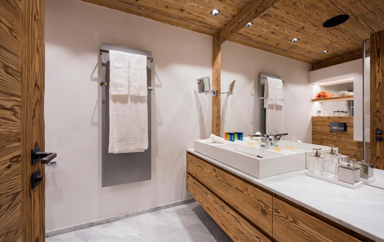 Kings-avenue-zermatt-snow-chalet-sauna-indoor-jacuzzi-private-spa-gym-06-26