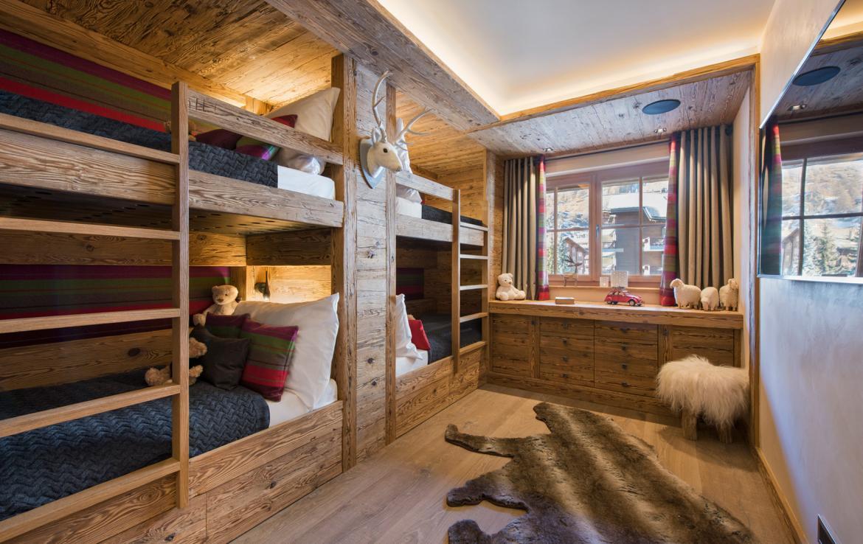 Kings-avenue-zermatt-snow-chalet-sauna-indoor-jacuzzi-private-spa-gym-06-27