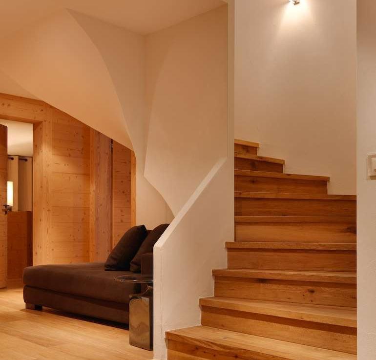 Kings-avenue-zermatt-snow-chalet-sauna-outdoor-jacuzzi-childfriendly-wine-cellar-07-9