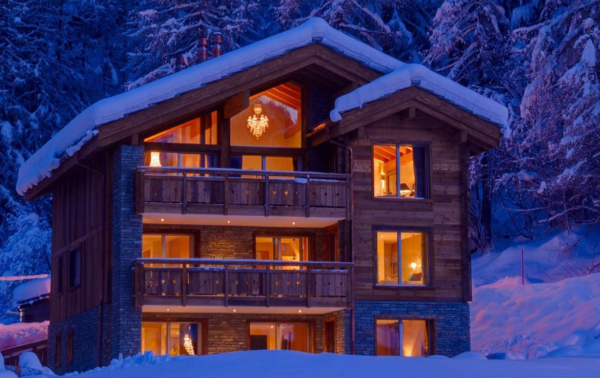 Kings-avenue-zermatt-snow-chalet-sauna-outdoor-jacuzzi-cinema-fireplace-05-2
