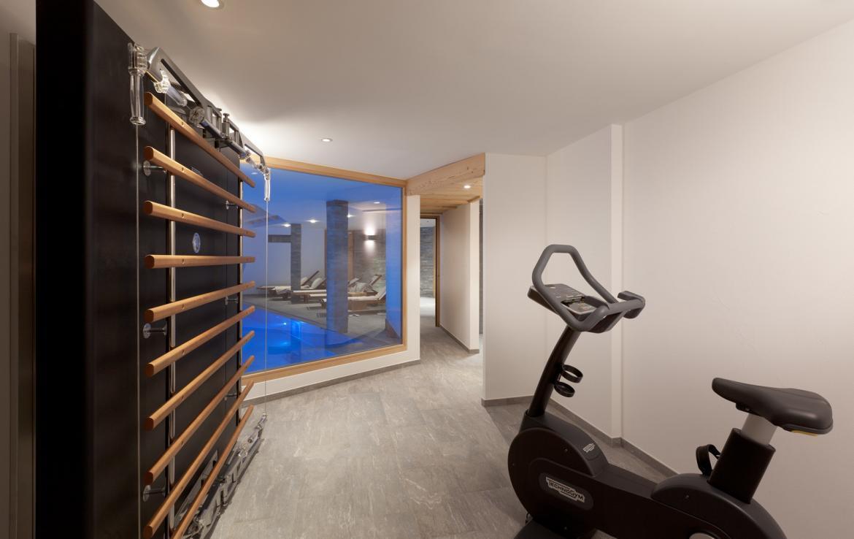 Kings-avenue-zermatt-snow-chalet-sauna-swimming-pool-childfriendly-fireplace-lift-09-12
