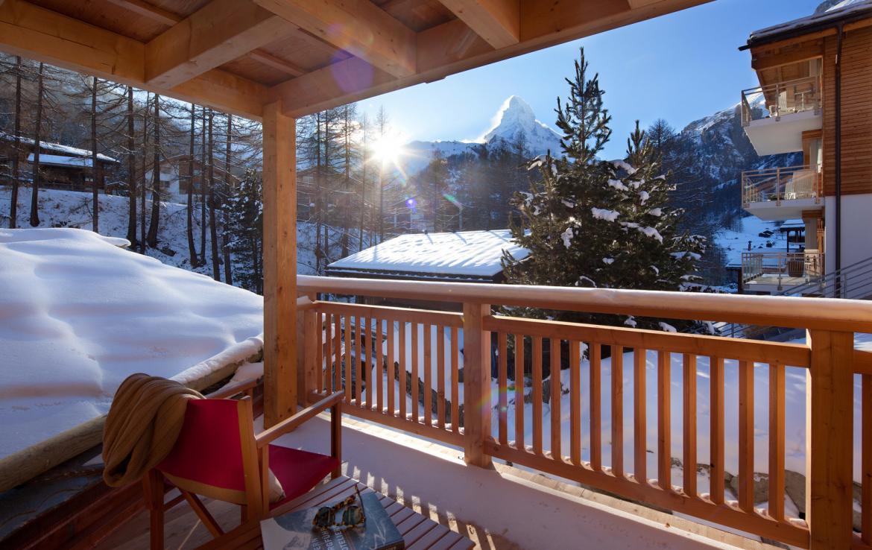 Kings-avenue-zermatt-snow-chalet-sauna-swimming-pool-childfriendly-fireplace-lift-09-13