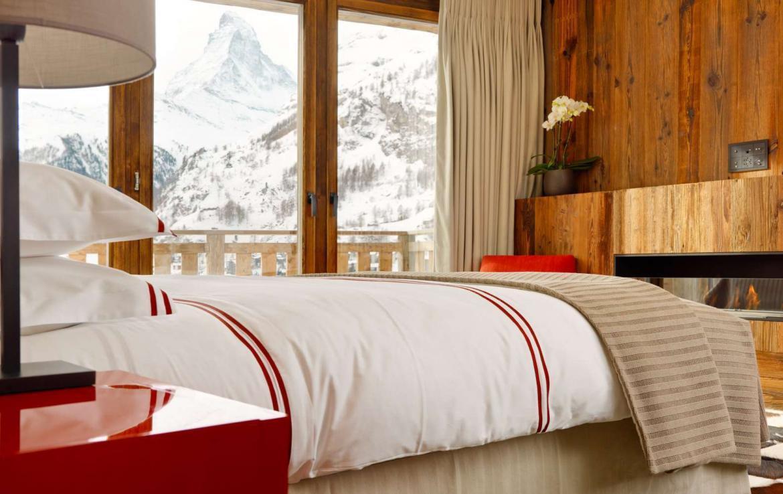 Kings-avenue-zermatt-snow-chalet-wi-fi-hammam-childfriendly-cinema-fireplace-01-14