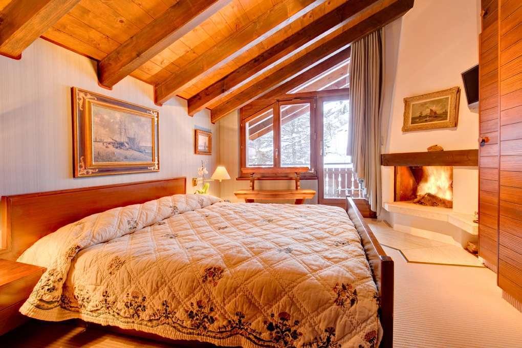 Kings-avenue-zermatt-snow-chalet-wi-fi-outdoor-jacuzzi-childfriendly-steam-shower-011-2