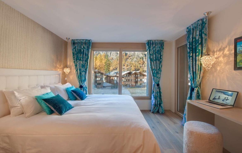 Kings-avenue-zermatt-wifi-sauna-hammam-jacuzzi-swimming-pool-childfriendly-cinema-fireplace-games-room-bar-lift-area-zermatt-005-12