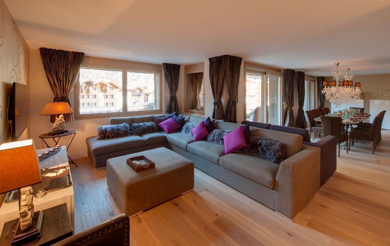 Kings-avenue-zermatt-wifi-sauna-hammam-jacuzzi-swimming-pool-childfriendly-cinema-fireplace-games-room-bar-lift-area-zermatt-005-3