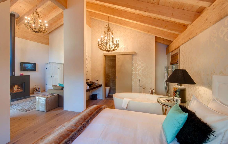 Kings-avenue-zermatt-wifi-sauna-hammam-jacuzzi-swimming-pool-childfriendly-cinema-fireplace-games-room-bar-lift-area-zermatt-005-9
