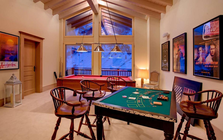 Kings-avenue-zermatt-wifi-sauna-jacuzzi-childfriendly-cinema-games-room-fireplace-pilates-yoga-room-balconies-area-zermatt-004-10