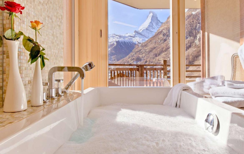 Kings-avenue-zermatt-wifi-sauna-jacuzzi-childfriendly-cinema-games-room-fireplace-pilates-yoga-room-balconies-area-zermatt-004-15