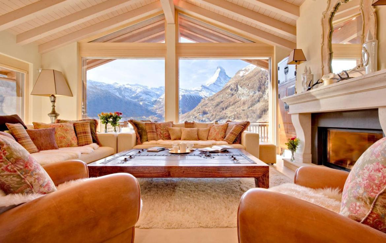 Kings-avenue-zermatt-wifi-sauna-jacuzzi-childfriendly-cinema-games-room-fireplace-pilates-yoga-room-balconies-area-zermatt-004-3