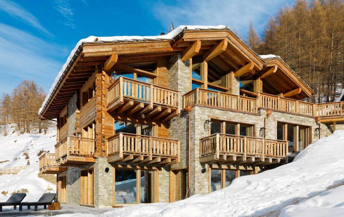 Kings-avenue-zermatt-wifi-sauna-jacuzzi-hammam-childfriendly-cinema-fireplace-grand-piano-lift-wellness-steam-room-plunge-pool-area-zermatt-001-2