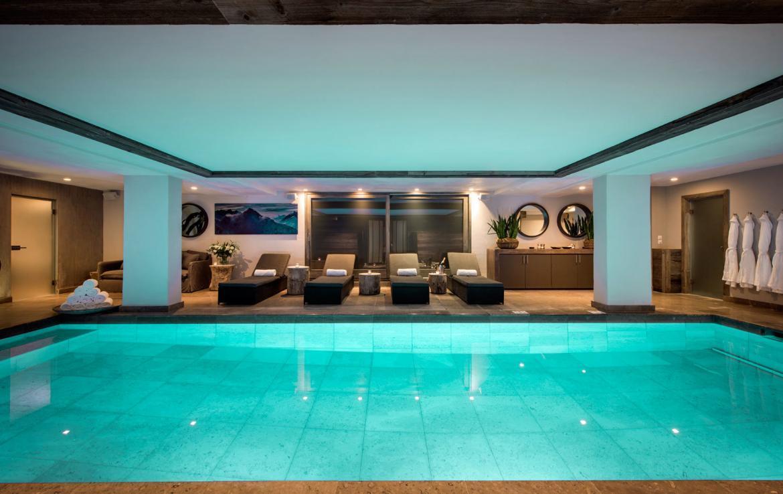 Swimming-pool-luxury-chalet-verbier-switzerland