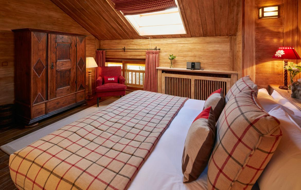 bedroom-in-chalet-de-luxe-meribel-france