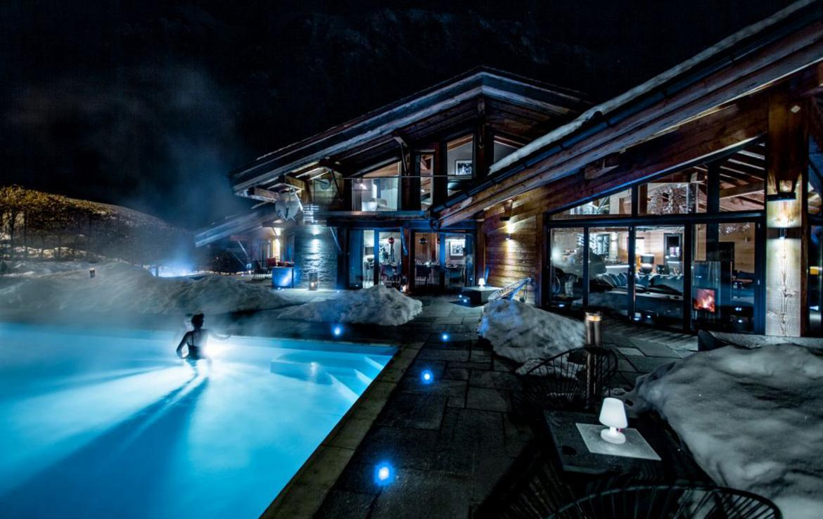 chalet-swimming-pool-summer