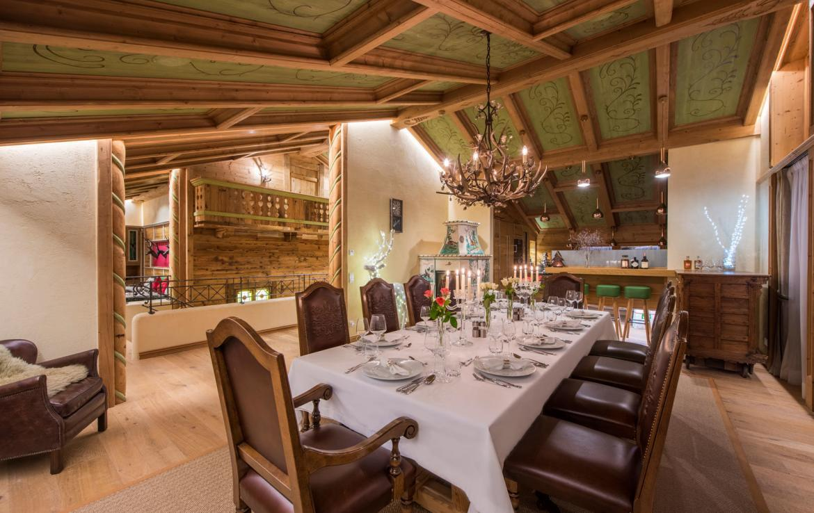 dining-room-private-chalet-to-rent-in-lech