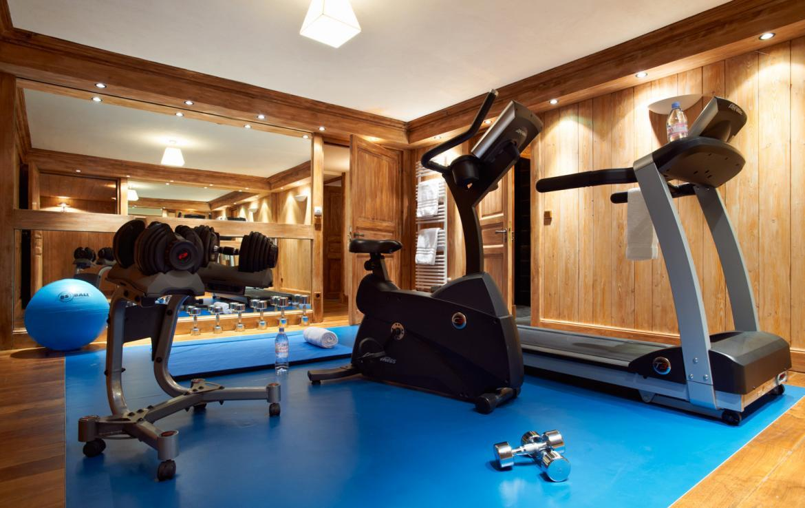 gym-in-chalet-meribel-france