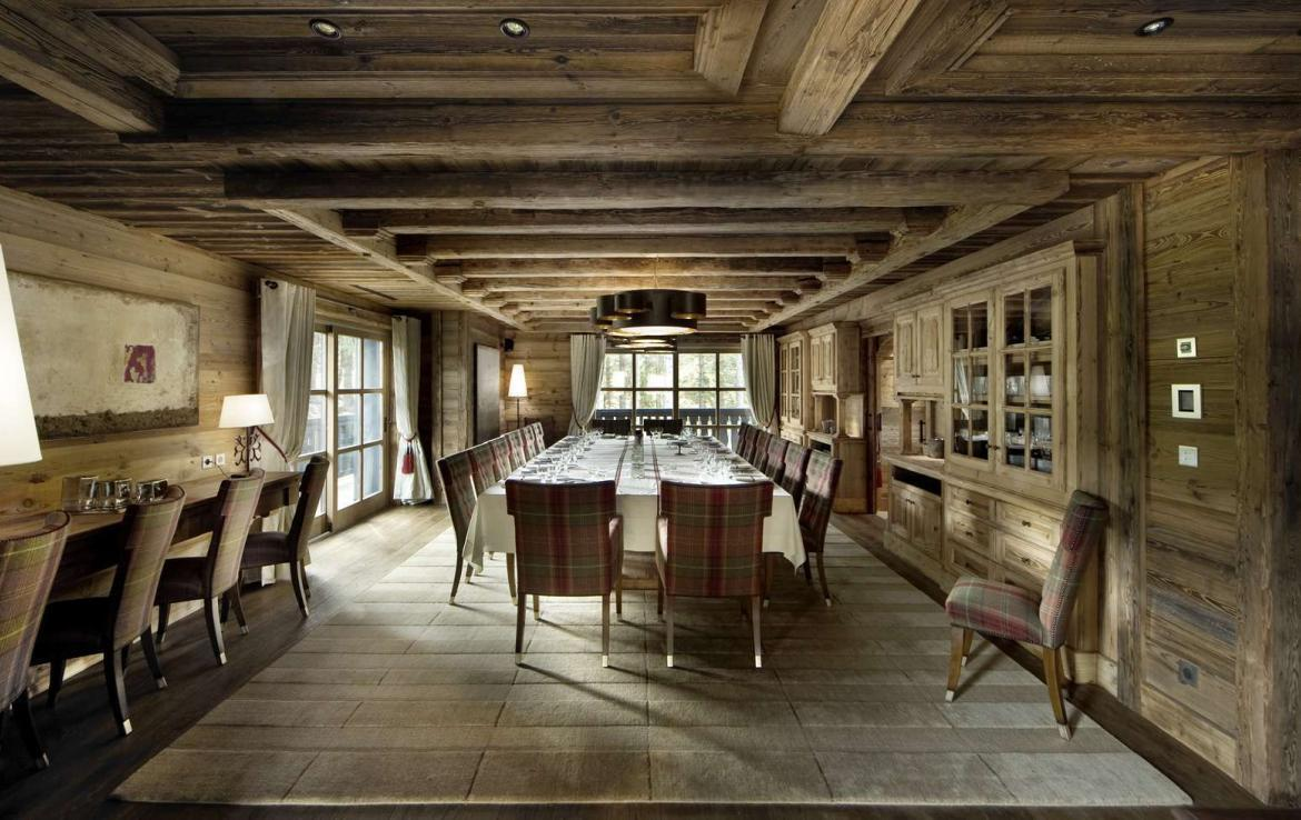 kings-avenue-luxury-chalet-courchevel-001-dining-table-for-big-families