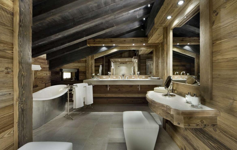 kings-avenue-luxury-chalet-courchevel-001-master-bathroom