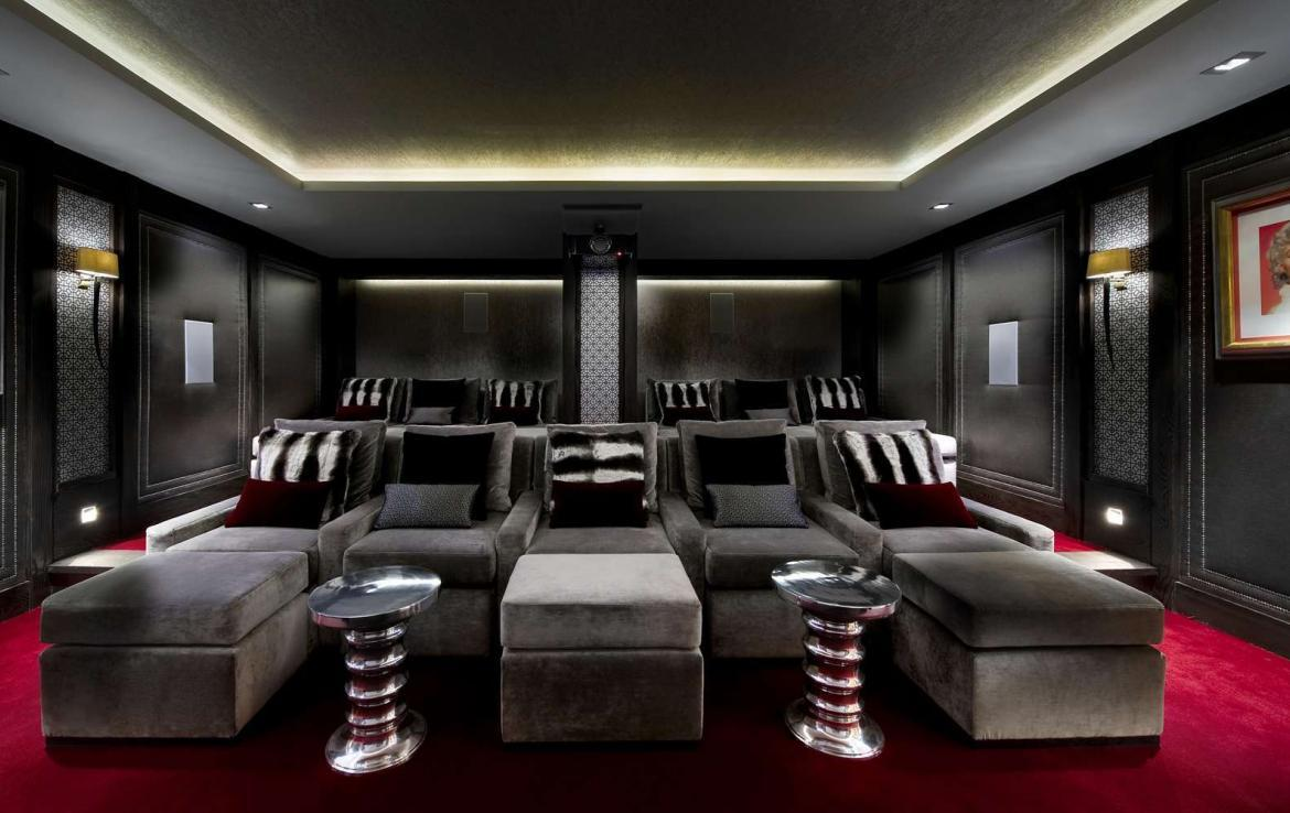 kings-avenue-luxury-chalet-courchevel-004-cinema-room