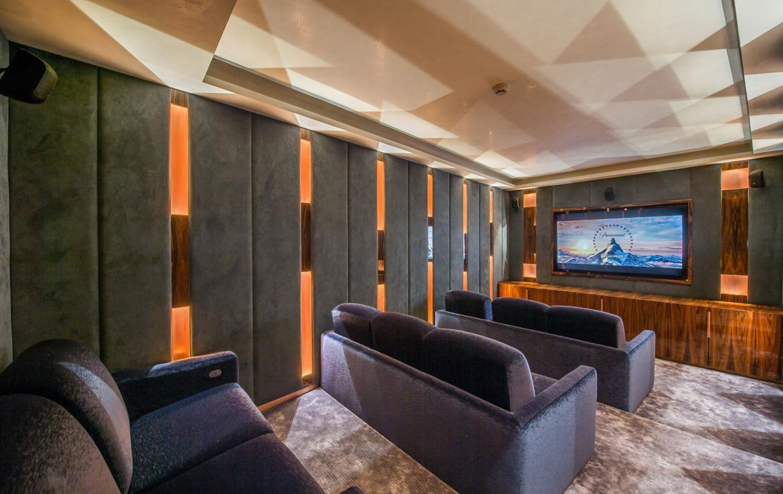 kings-avenue-luxury-chalet-courchevel-008-cinema-room
