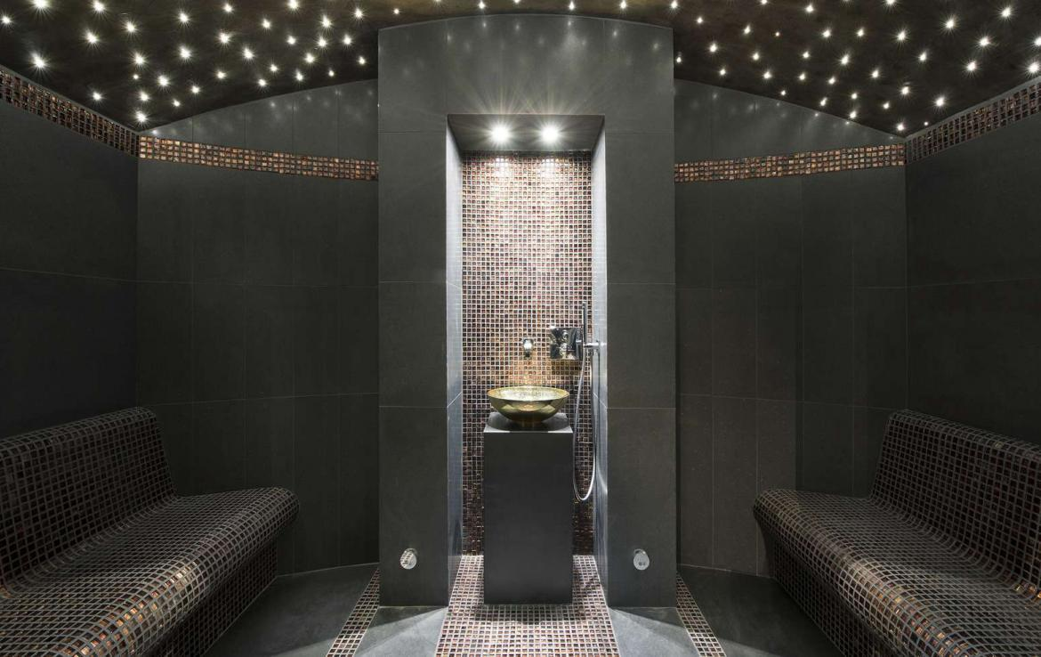 kings-avenue-luxury-chalet-courchevel-009-hammam-steam-room
