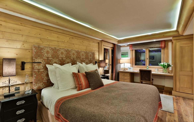 master-bedroom-chalet-meribel
