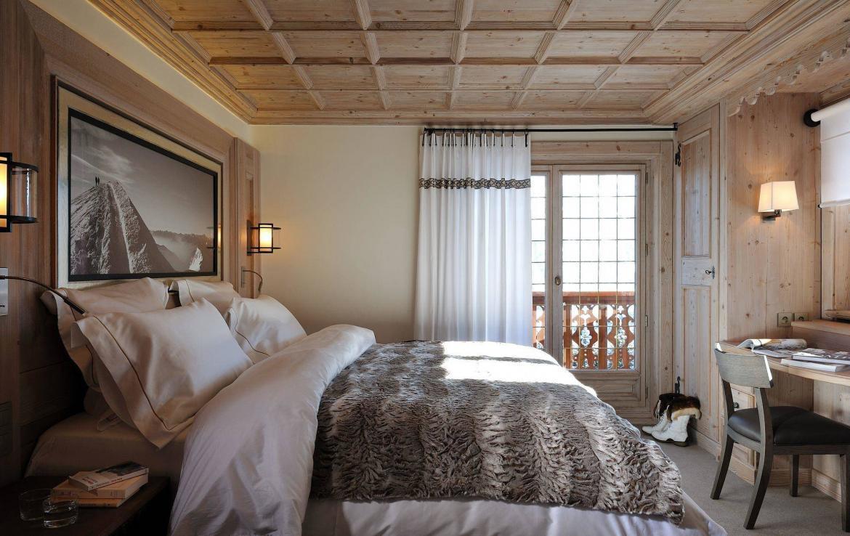 master bedroom chalet rosalpina courchevel