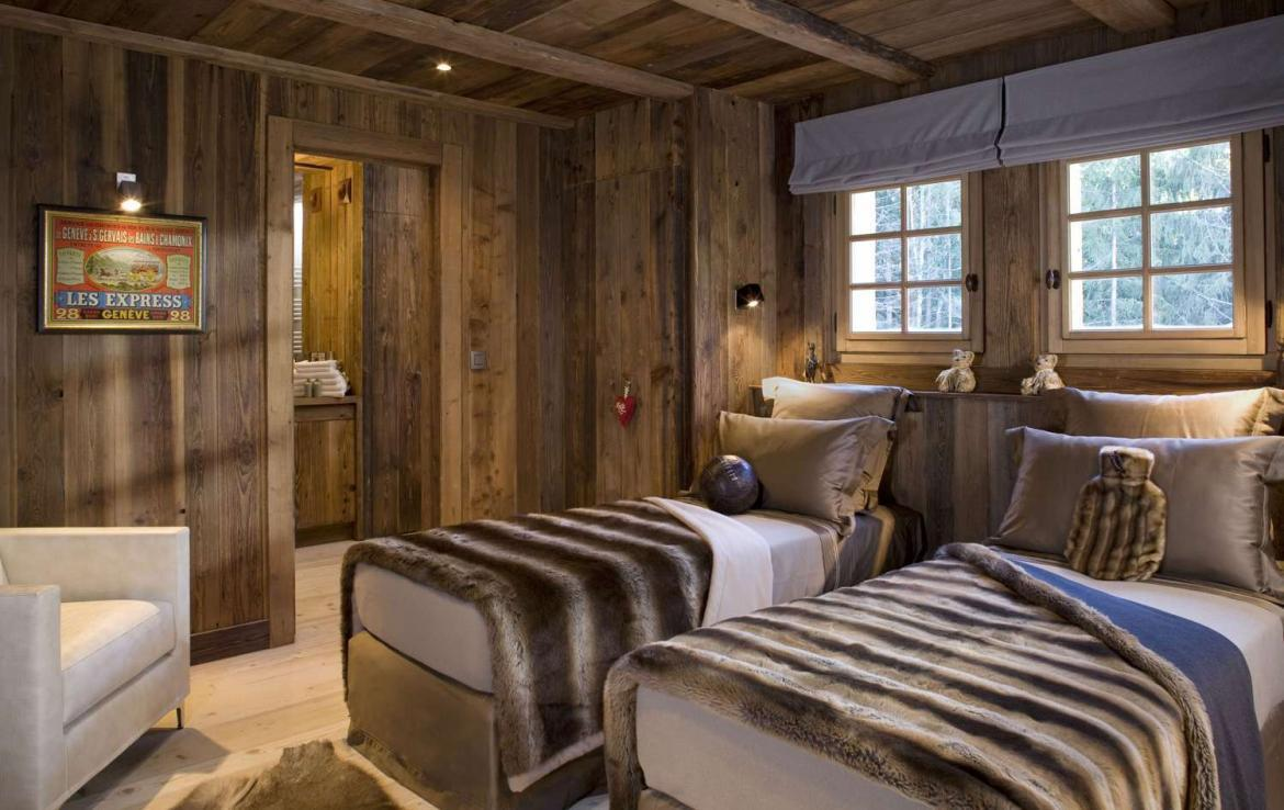 Kings-Avenue-Chamonix-Wifi-Sauna-Jacuzzi-Hammam-Swimming-Pool-Childfriendly-Parking-Cinema-Fireplace-Garden-Terrace-Spa-Area-Chamonix-003-8
