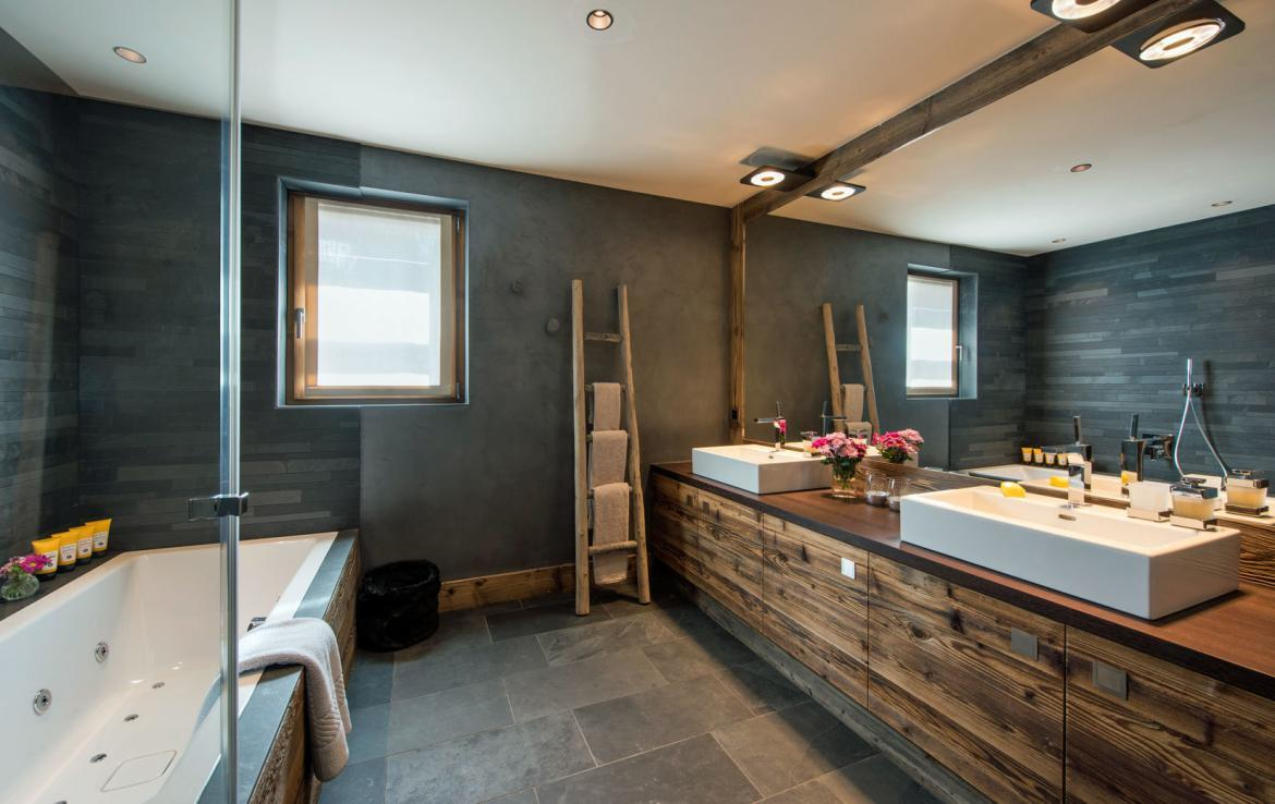 penthouse on place blanche verbier bathroom