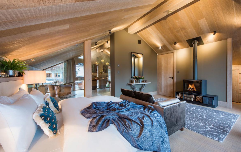 luxury-master-bedroom-chalet-Meribel-France