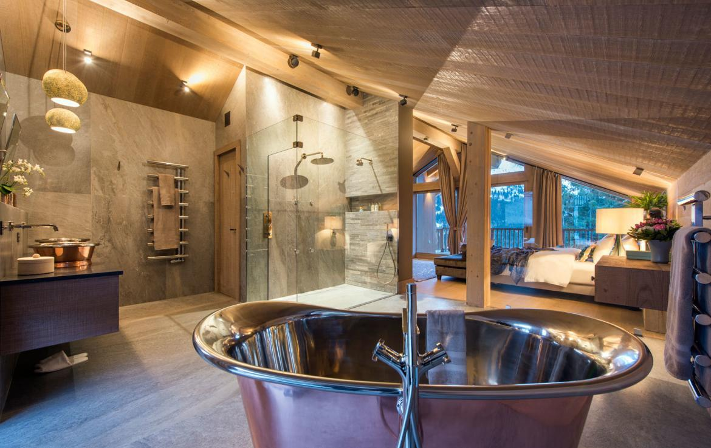 master-bathroom-chalet-meribel-france