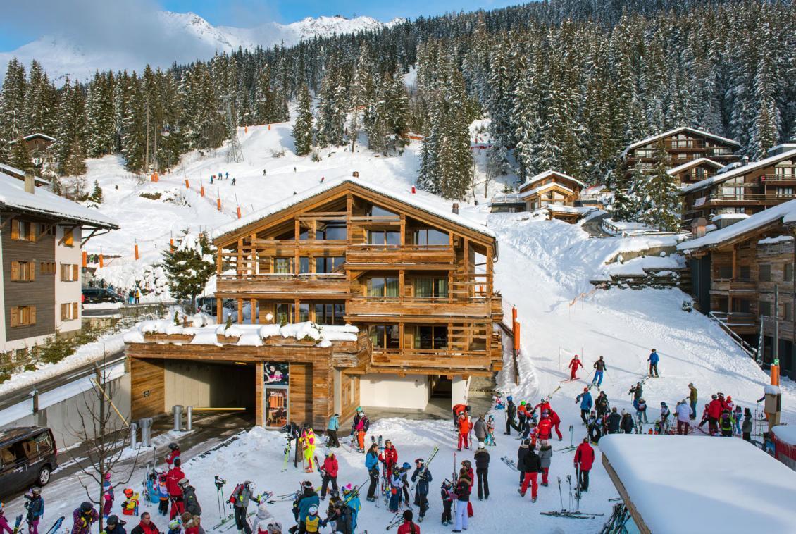ski-in-penthouse-in-verbier
