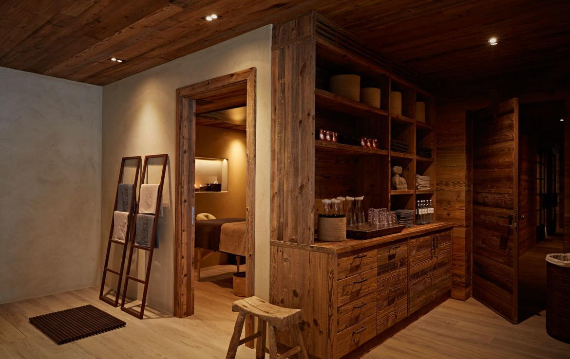 massage-room-in-chalet-lech