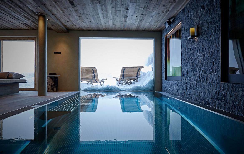 swimming-pool-chalet-lech