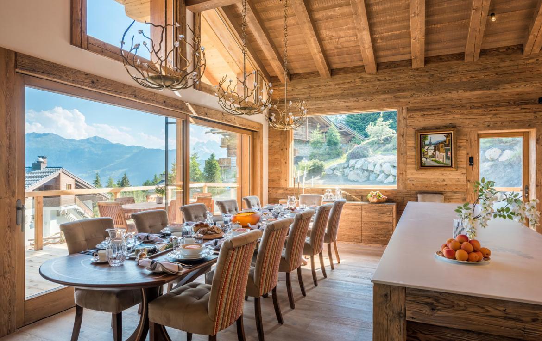 verbier-breakfast-table3-kings-avenue-chalet