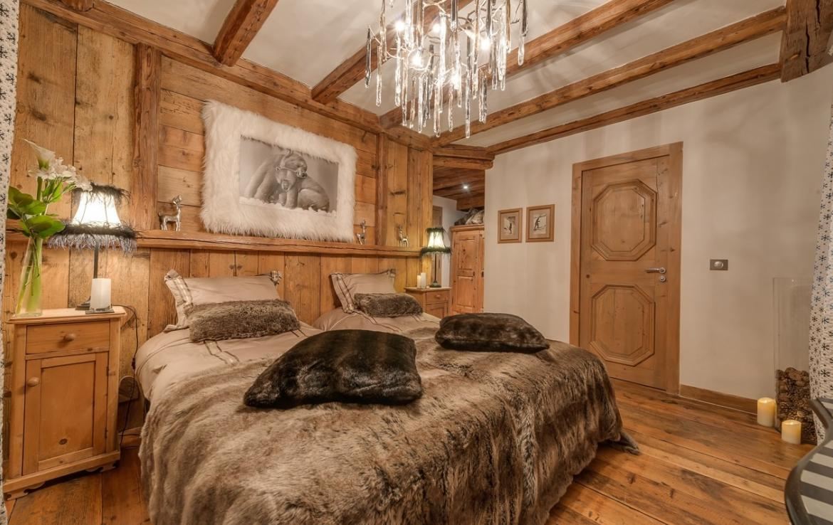Kings-avenua-val-disere-snow-chalet-outdoor-jacuzzi-hammam-swimming-pool-childfriendly-gym-foot-heaters-fireplace-bar-massage-room-lift-area-val-disere-003-18
